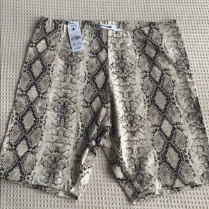 New with tags Garage biking shorts size S